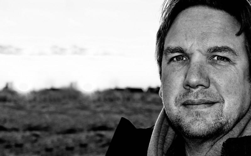 """Matthias Brodowy - """"Mein Sieb ist ein Gedächtnis"""" Live-Lesung aus dem Backstage-Wohnzimmer - 13.04.2021 - 20:15"""